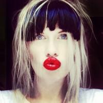 DOLLS UK ELECTRONIC ARTIST CONTACT KISS KISS