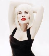 DOLLS Blonde on Blonde