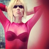 DOLLS Singer UK Pris Bladerunner Pink